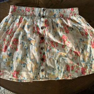 Medium skirt. Only worn once, like new condition